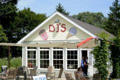 Put-in-Bay DJ's Ice Cream Shop
